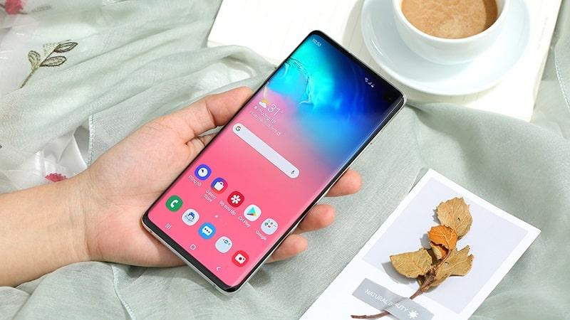 top 4 smartphone xịn xò nhưng giá cả rất