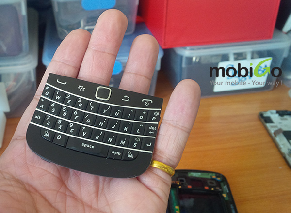 những phụ kiện chính hãng và tiện ích dành cho blackberry 9900