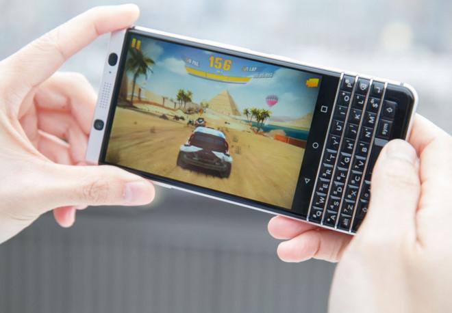 10 lý do nên vứt bỏ iphone 7 để mua blackberry keyone