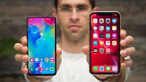 """iphone xr vs galaxy s10e: đều là flaship """"giá rẻ"""", nên chọn mua apple hay samsung?"""